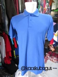 polo warna biru muda