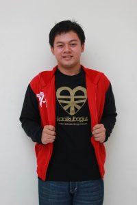 jaket variasi hitam dan merah